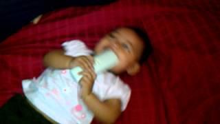 Baby comel ketawa