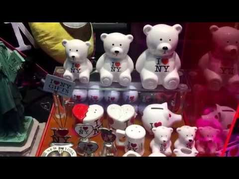 NY gift shop window, 5th Avenue, New York (9-28-16)