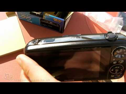 Fujifilm FinePix REAL 3D W3 Unboxing Video