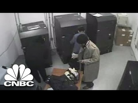 The Heist (Highlight Clip) | American Greed | CNBC Prime