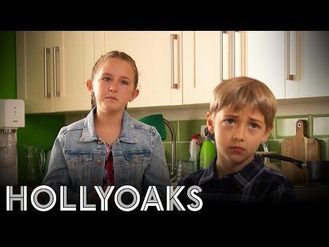 Hollyoaks: Is Leah Telling PorkiePies?