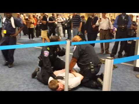 Thumbnail: DALLAS AIRPORT FIGHT CAUGHT ON VIDEO - 10/23/2014