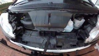 Smart 451. замена лампочки .H7. помоги себе сам 1(в этом видео я поменял лампочку ближнего света на автомобиле Smart 451. видио из новой рубрики