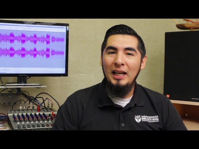 Abisai Ahumada Director de Música y area de personal de Radio Esperanza.