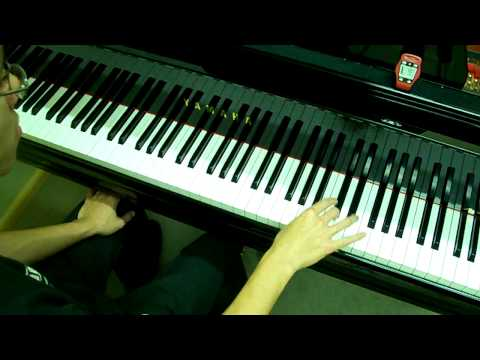 ABRSM Piano 2009-2010 Scales Grade 6 - 3a. Staccato Thirds in C RH at 40