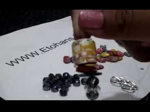 how to make a necklace of ethnic wrapping paper 5