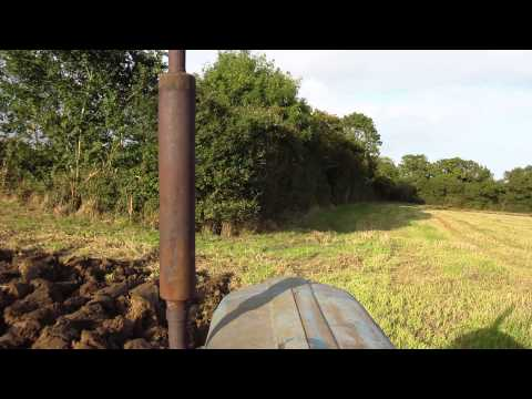 Fordson Super Major ploughing with Ransomes TS102