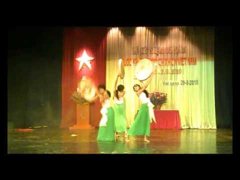 Múa Duyên quê - Khánh Ngân, Hà Uyên và Phương Thảo