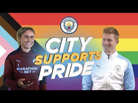 Mes del orgullo para apoyar a la ciudad 2021 |  Pies: De Bruyne, Stones, Houghton, Bronze