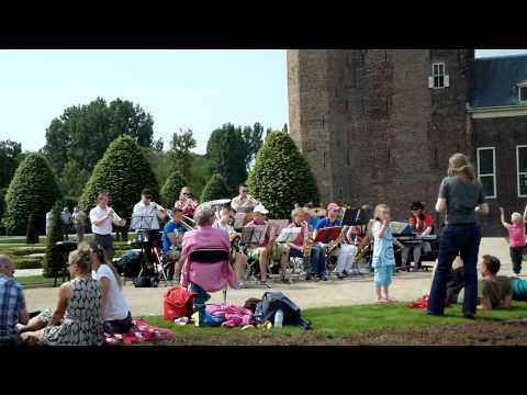 Concert In Kasteeltuin Slot Assumburg Van Big Band St Caecilia