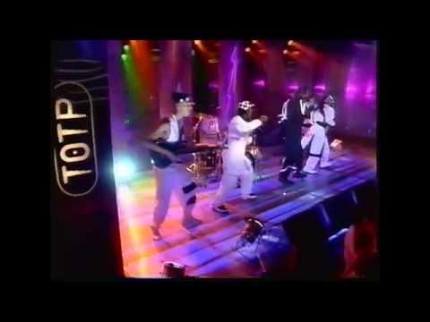 Pato Banton feat Rankin Roger - Bubbling Hot - Live TOTP 1995