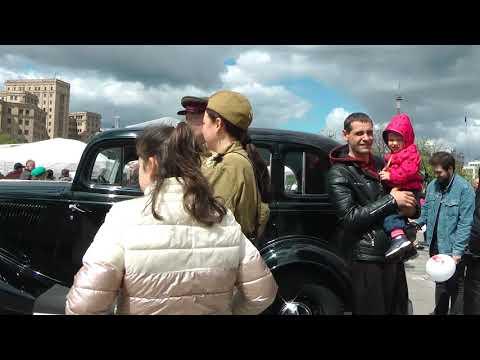 Военные песни, боевая техника и полевая каша. Харьков отпраздновал День Великой Победы