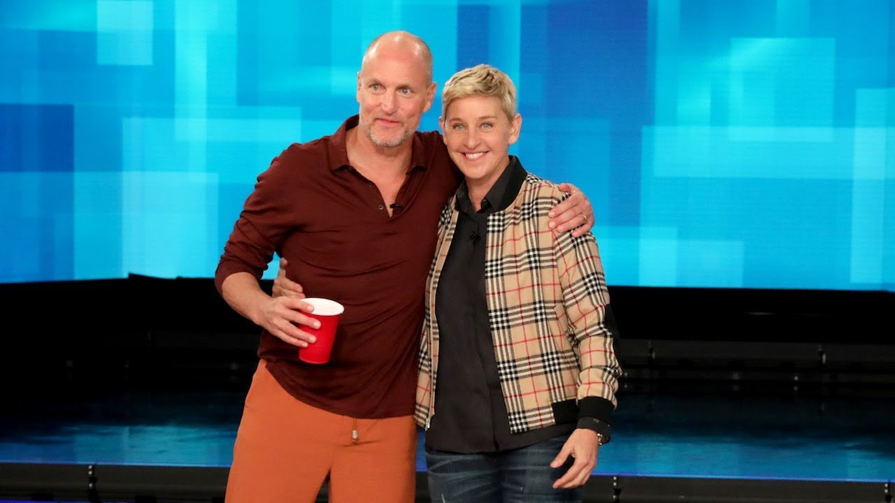 Woody Harrelson Shows Ellen How to Play 'Beersbee'