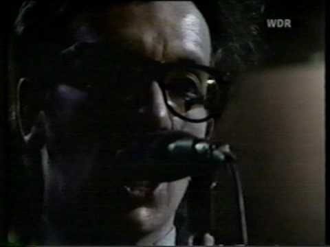 Elvis Costello & The Attractions - Rockpalast 6-15-78 (Part 1)