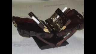 Настольный портсигар из дерева и металла.