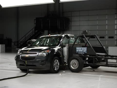 2010 Chevrolet Equinox side test