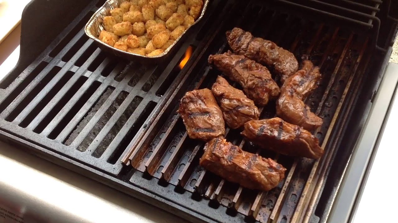 weber spirit grill grates beef country style ribs youtube. Black Bedroom Furniture Sets. Home Design Ideas