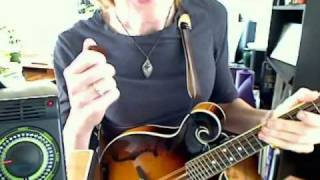 Playing Fast, Precise Tremolo on the Mandolin