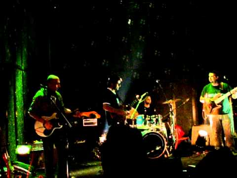 ΛΟΥΔΙΑΣ - Λιπασματα (live @ Μυλος, Club 1/12/10)