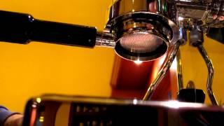 Quick Mill Achille 0996 Pulling Intelligentsia Black Cat Espresso