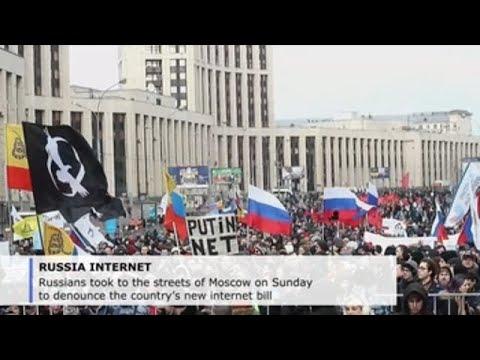 Russians rally against new Internet bill, demand digital freedom
