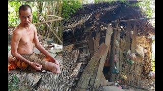 Người đàn ông sống trong căn nhà quá tồi tàn, ăn ngủ và đi vệ sinh cùng 1 chỗ