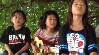 Duo Pengamen Cilik Nyanyi Lagu-bunga