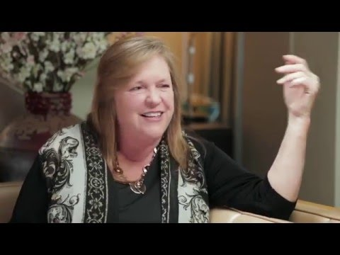 Jane Sanders on How She Met Bernie Sanders || THE CONVERSATION WITH AMANDA DE CADENET