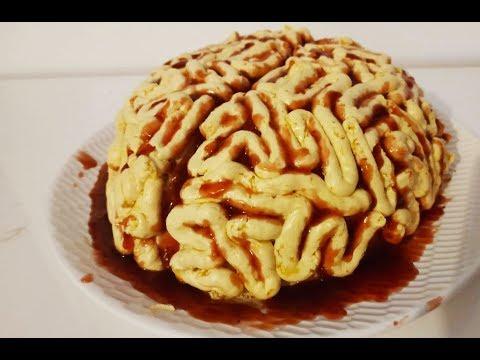 spécial-halloween/-gâteau-cerveau-sans-pâte-d'amande-ou-pâte-à-sucre