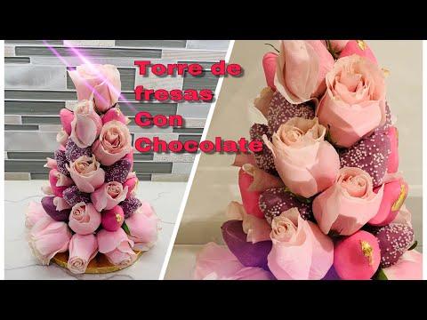 como-hacer-una-torre-de-fresas-cubiertas-con-chocolate-y-tela-de-oro