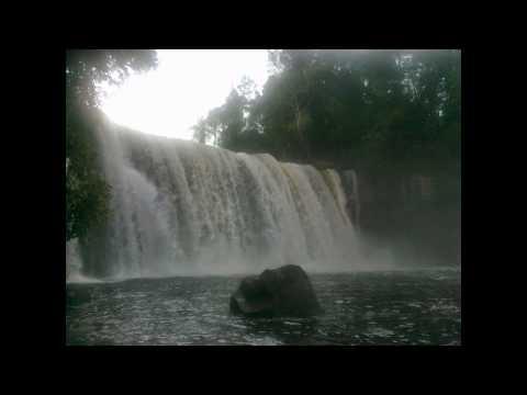 air-terjun-riam-merasap---kalimantan-barat-|-tempat-wisata-di-indonesia