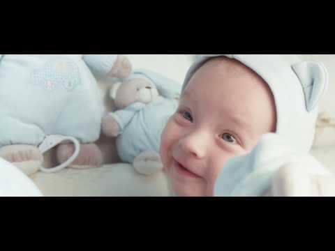 Ребенку 3 месяца, красивая мама! Очень милое видео!