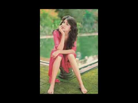 Anushka Sharma Shows off Her Feet and Long Legs
