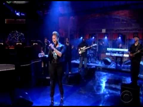 Chrisette Michele  killin it on Letterman