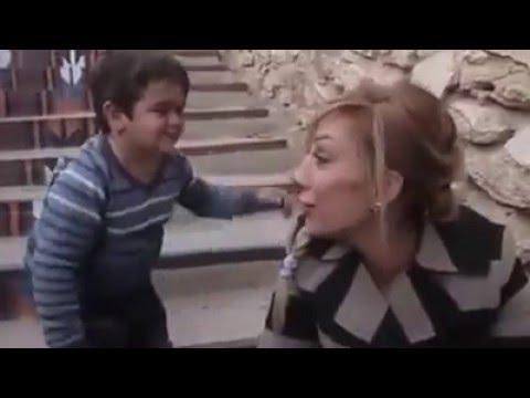 طفل يغازل بنت  (: