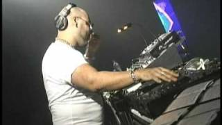 Roger Sanchez Turn on the music live from Cali Colombia
