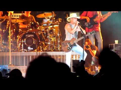 Beer In Mexico - Kenny Chesney LIVE @ Raymond James Stadium