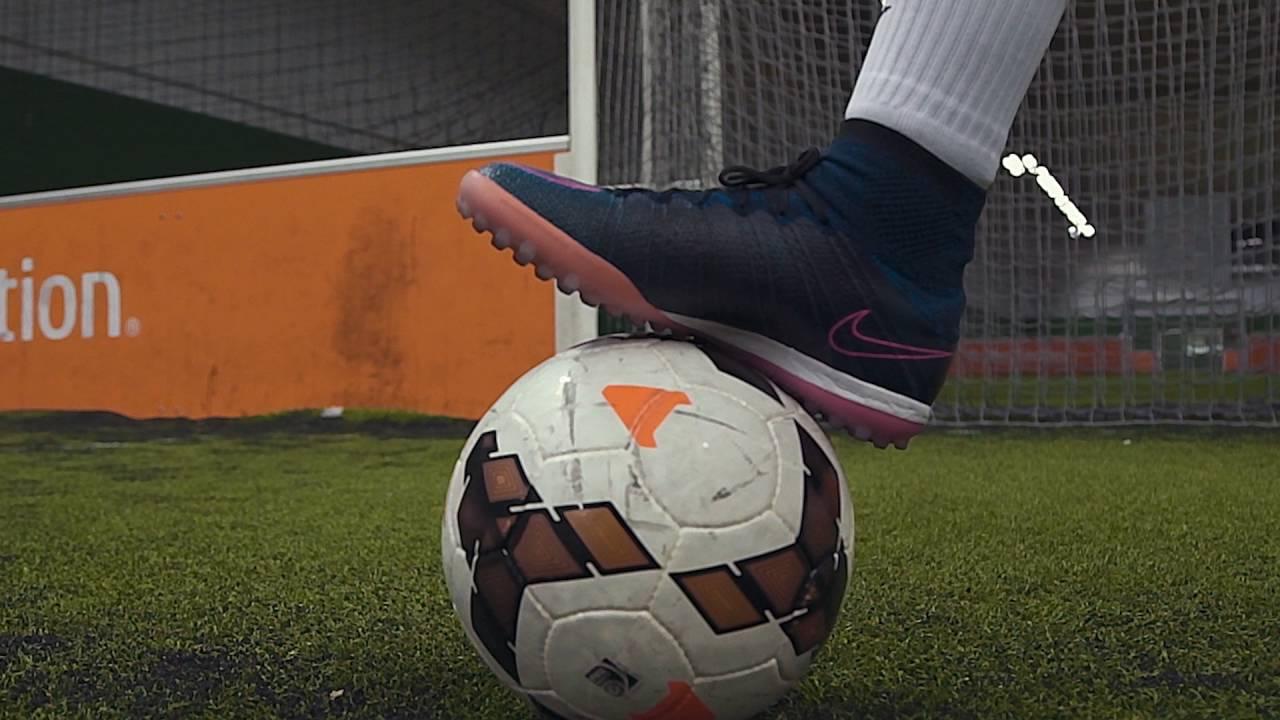 5ac56cd0e26c GO Sport - Football - Test de la Nike Mercurial X Turf par nos vendeurs -  Foot five