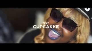 Смотреть клип Benzo Fly Ft. Cupcakke - Like A Snapback