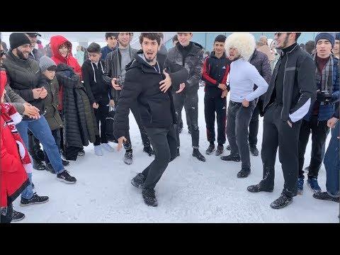 Парни Танцуют Круто Ядерная Лезгинка Чеченская Ловзар Шахдаг Тур 2020 Lezginka Shahdag ALISHKA Dance