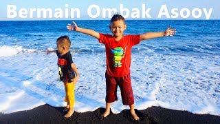 Main Air Di Pantai Ujung Timur Pulau Bali - Serunya Bermain Ombak Laut Wates Yeh Malet