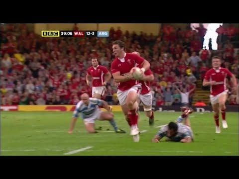 George North massive sidestep creates Wales try