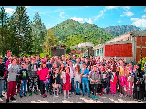 Popularna glumica turske serije 'Elif' posjetila učenike u Jablanici