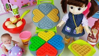 Baby doll and Play Doh waffle cooking story music play - ToyMong TV 토이몽