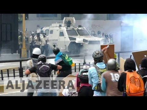 Venezuela protesters and police clash in Caracas