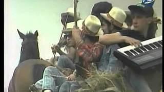 """Співає фольк-рок-синтез-гурт """"Заграва"""" (1991)"""
