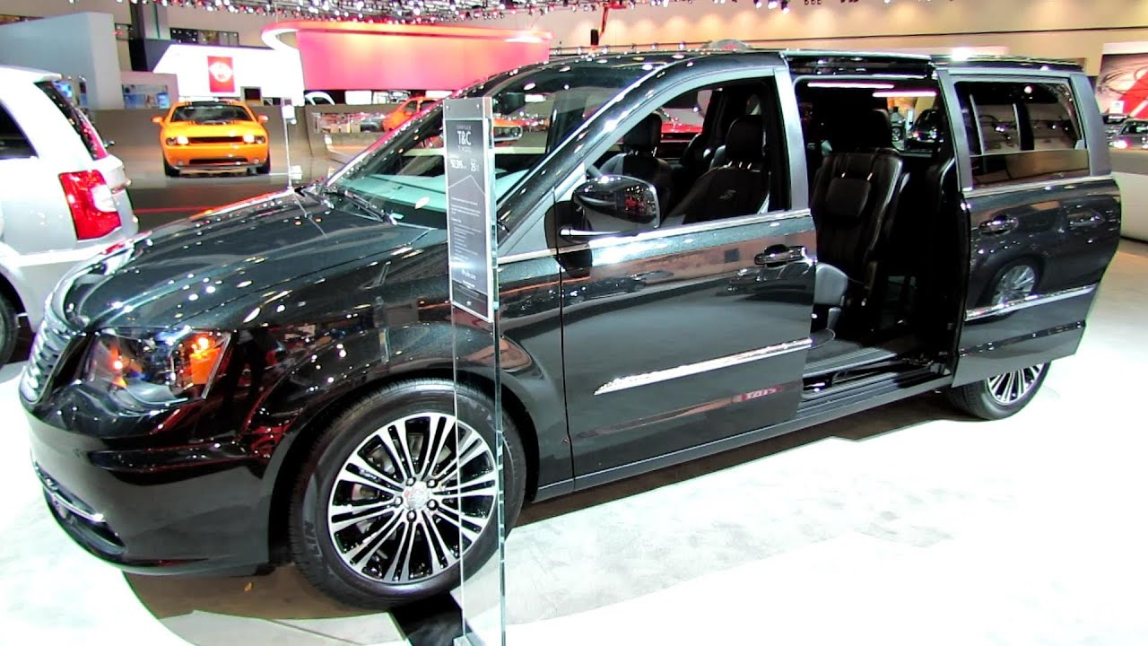2014 chrysler town country s model exterior and interior walkaround 2013 la auto show youtube