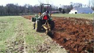 John Deere 4300 Plowing