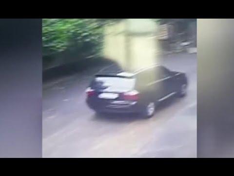 Ünlü işadamının ölü bulunan eşinin aracıyla gitmesi kamerada