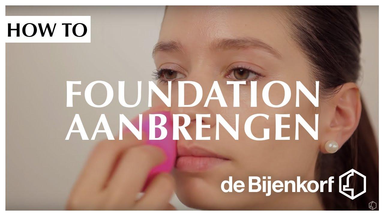 Foundation aanbrengen met kwast